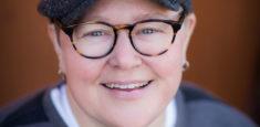 Book Maggie Faris - Comedian