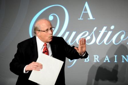 Hire corporate magician Bill Herz
