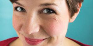 Hire Laura Sanders - College Comedian
