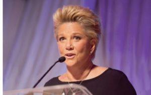 Joan Lunden - Keynote Speaker - Funny Business Agency